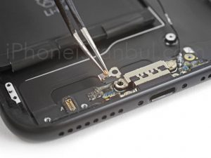 Apple-iPhone-7-Plus-Sarj-Yuvasi-300x225
