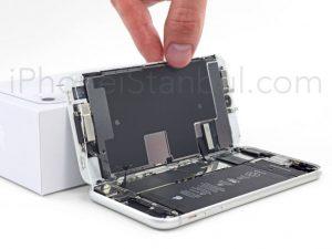 iPhone-8-Ekran-tamiri-300x225