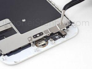 iPhone-8-Kirik-Ekran-degisimi-300x225