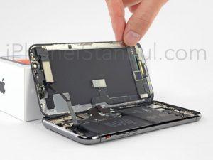 iphone-X-kirik-ekran-cam-degisimi-300x225