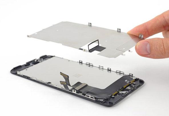 iPhone 7 Plus ekran değişiminde dikkat edilmesi gerekenler