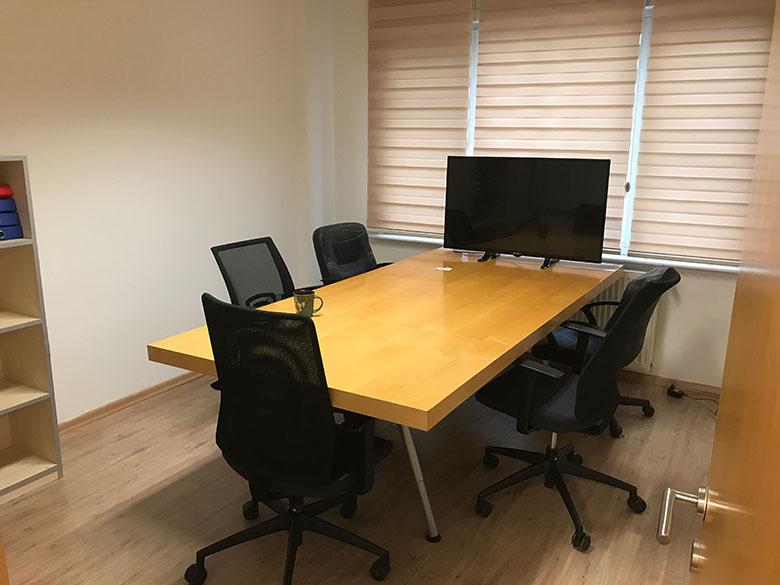 iPhone İstanbul Toplantı Odası
