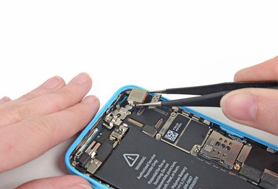 iPhone 5C Arka Kamera Değişimi